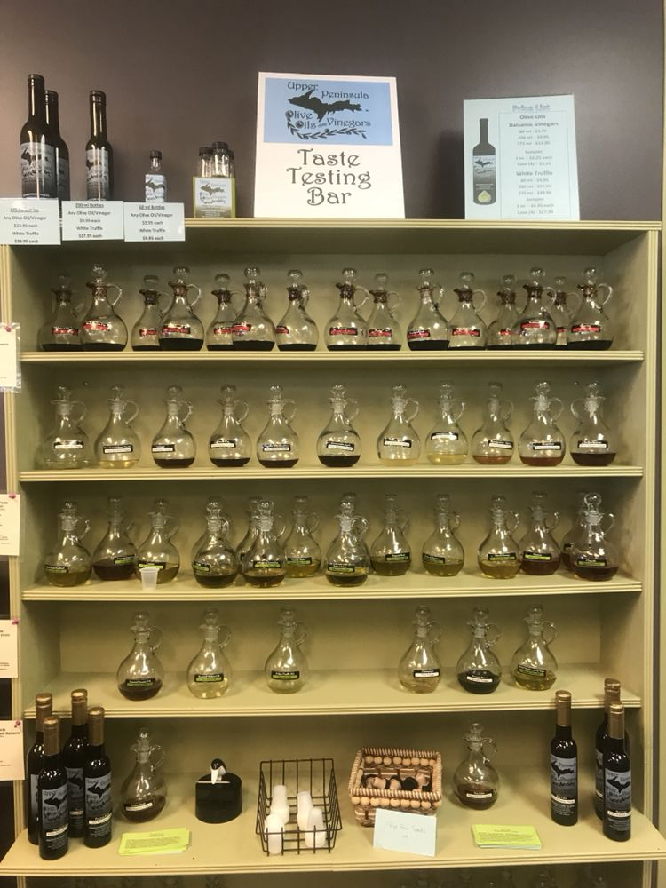 Smokehouse Glenns/ Upper Peninsula Olive Oils & Vinegars: 1040 County Ln, Ishpeming, MI