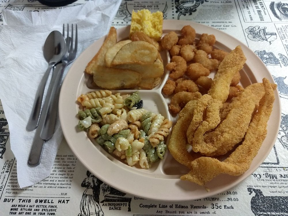 Acleda's Korner Kitchen: 109 E Highway B, Raymondville, MO