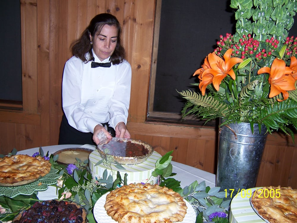Curt's Caterers: 21 Meadowbrook Ln, Gilford, NH