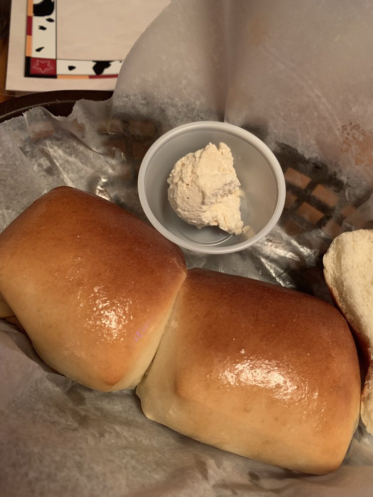 Texas Roadhouse: 1720 Delta Waters Rd, Medford, OR