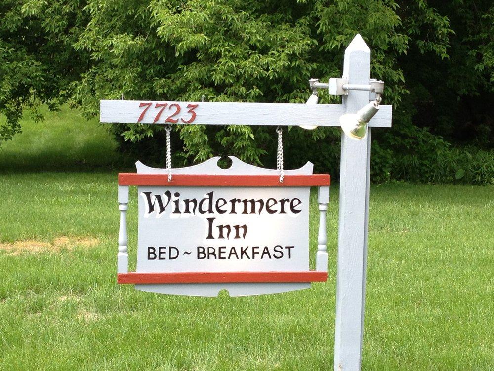 Windermere Inn: 7723 Crystal Dr, Beulah, MI