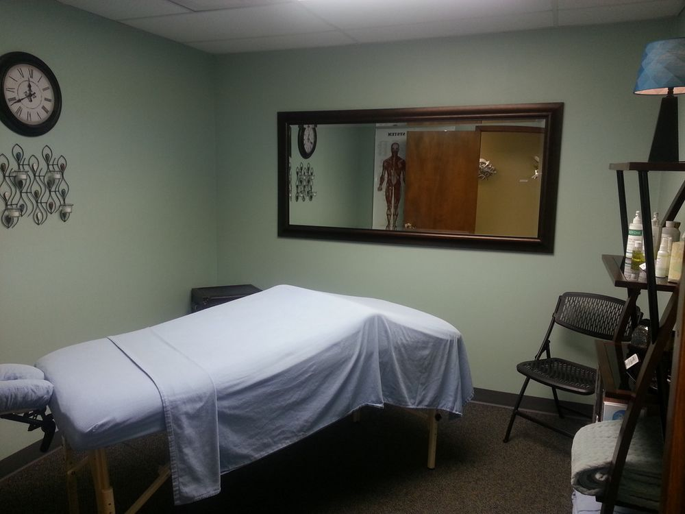 Peaceful Body Wellness Retreat: 148 S Santa Fe Ave, Salina, KS