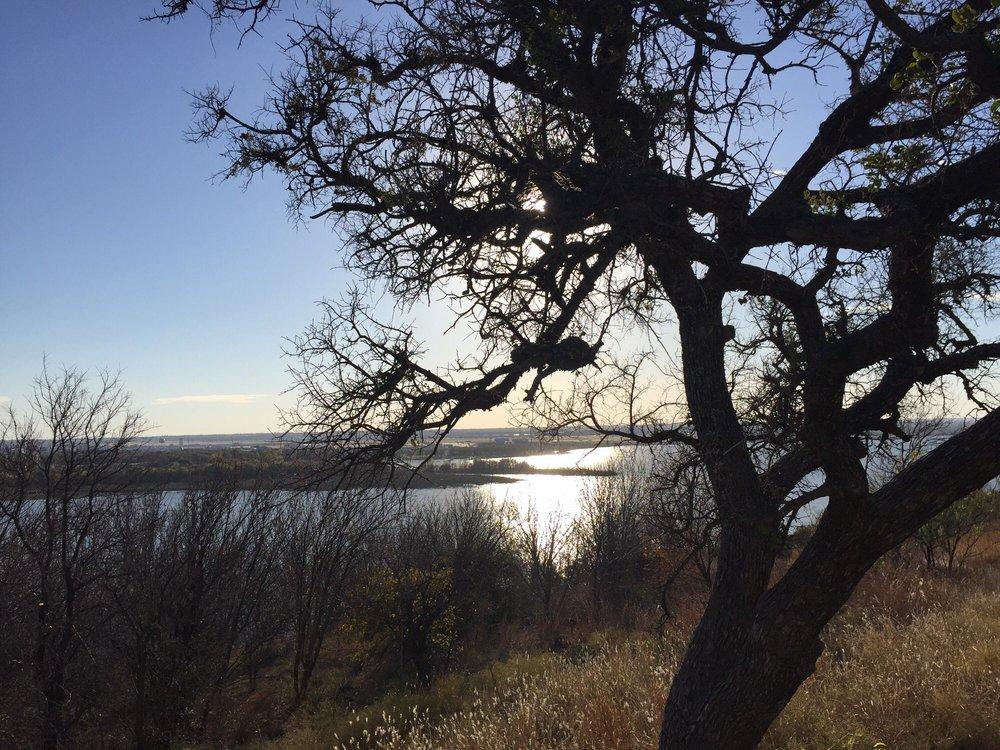 Sansom Park Trail