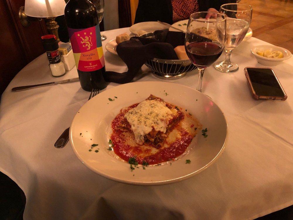 Volare Italian Restaurant: 102 Ross St, Brenham, TX