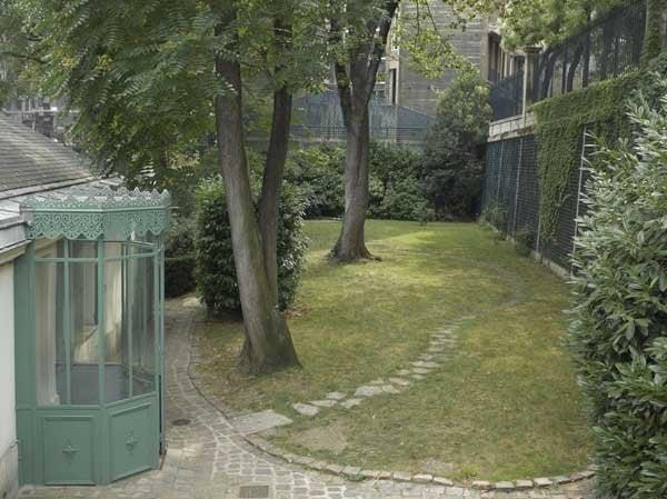 Vue du jardin de la maison de Balzac - Yelp