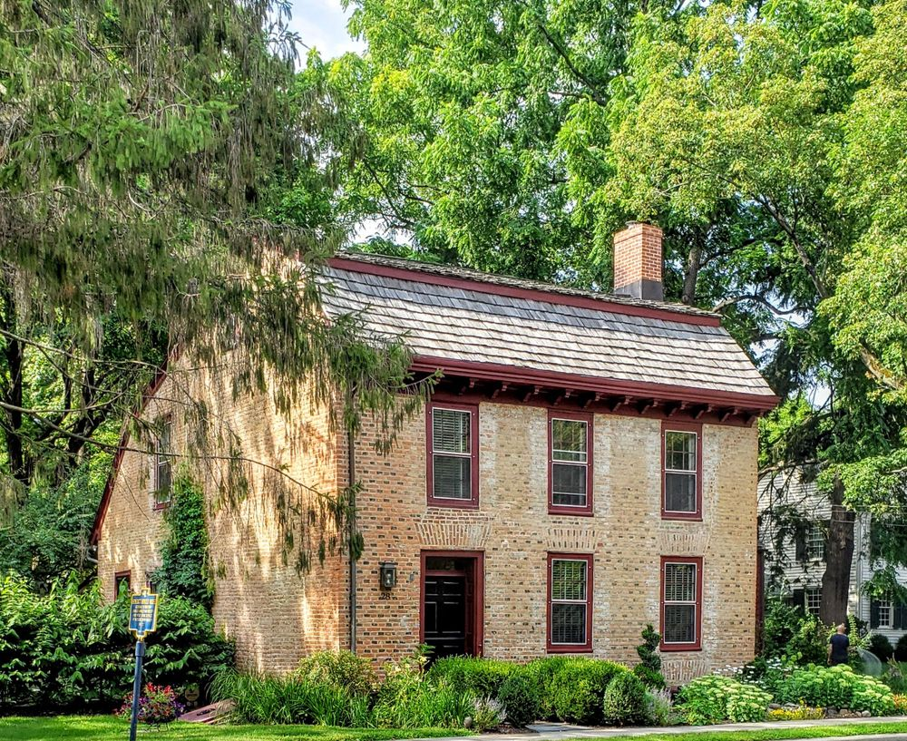 Benedict Arnold House: 28 Broad St, Kinderhook, NY