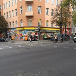 edeka geschlossen discounter gneisenaustr 84 kreuzberg berlin telefonnummer yelp. Black Bedroom Furniture Sets. Home Design Ideas
