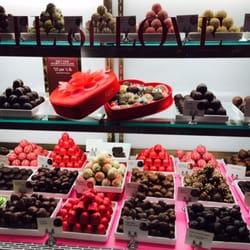 Godiva Chocolatier - CLOSED - 12 Reviews - Candy Stores