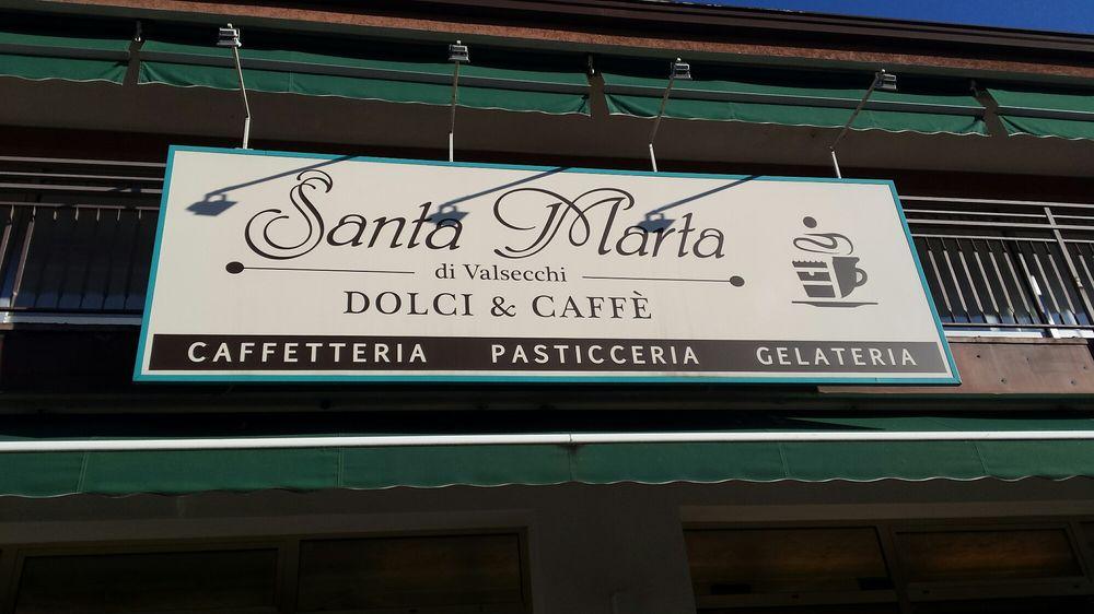 """Foto di Santa Marta - Introbio, Lecco, Italia. L'insegna di un mondo di """"dolcezza"""""""