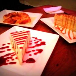 Earth'K - Paris, France. Pain perdu ..gâteau de crêpes caramel beurre salé  et cheese cake maison