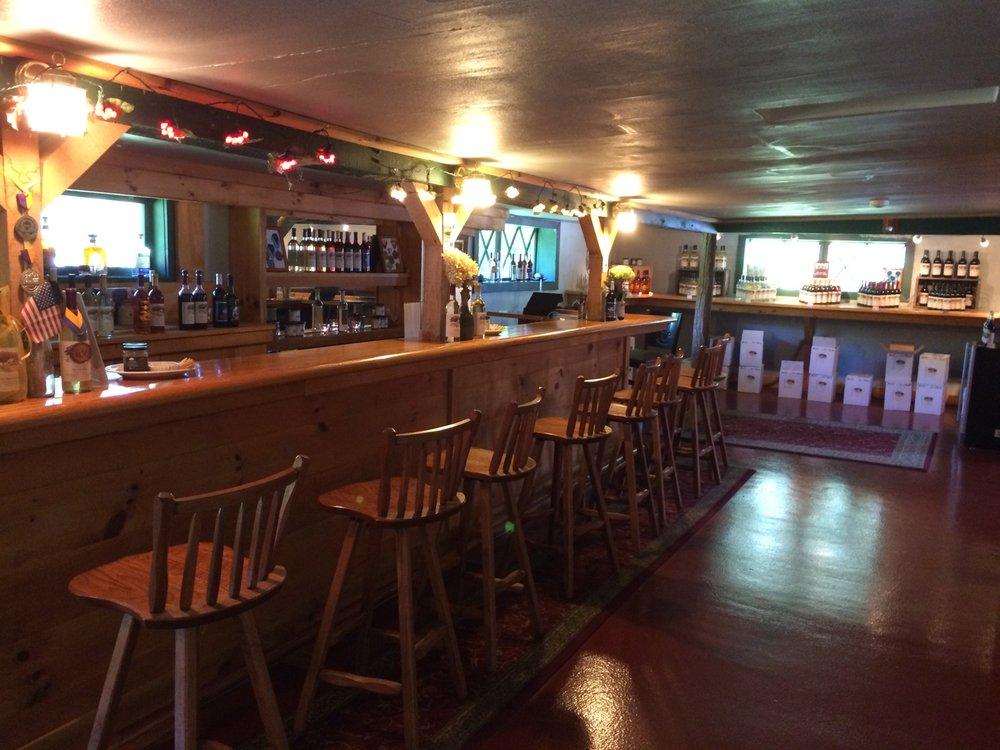Cascade Mountain Winery & Restaurant: 835 Cascade Mountain Rd, Amenia, NY