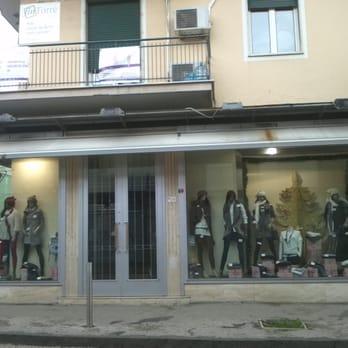 metà fuori 4b8b3 63163 Nazzaro - Abbigliamento femminile - Via Ercole Cantone 19 ...