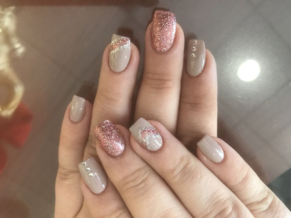 Lake Forest Nail Salon Gift Cards - Illinois | Giftly