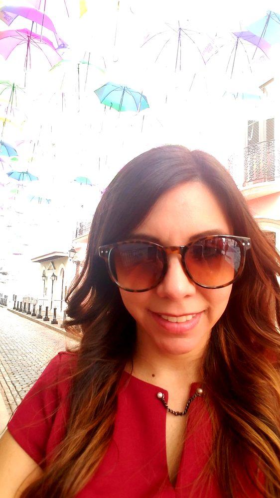 Licenciada María T. Torres: Calle César González 151, San Juan, PR