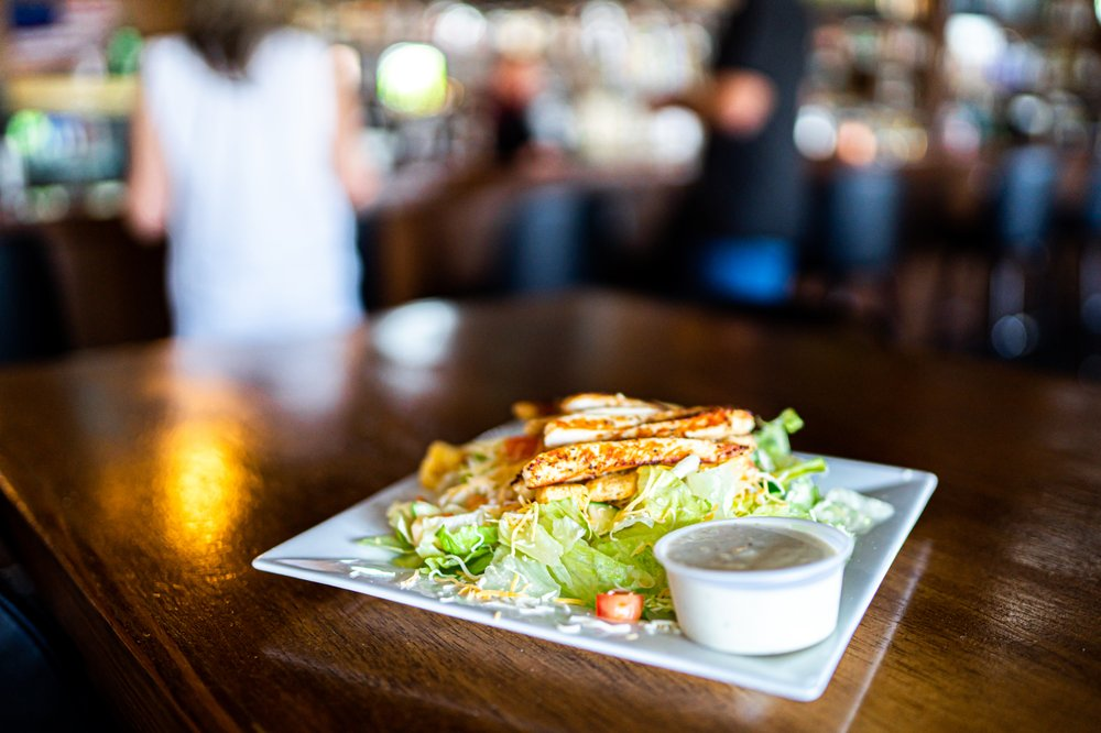 Gardens Bar & Grill: 2421 Westport Pkwy, Fort Worth, TX