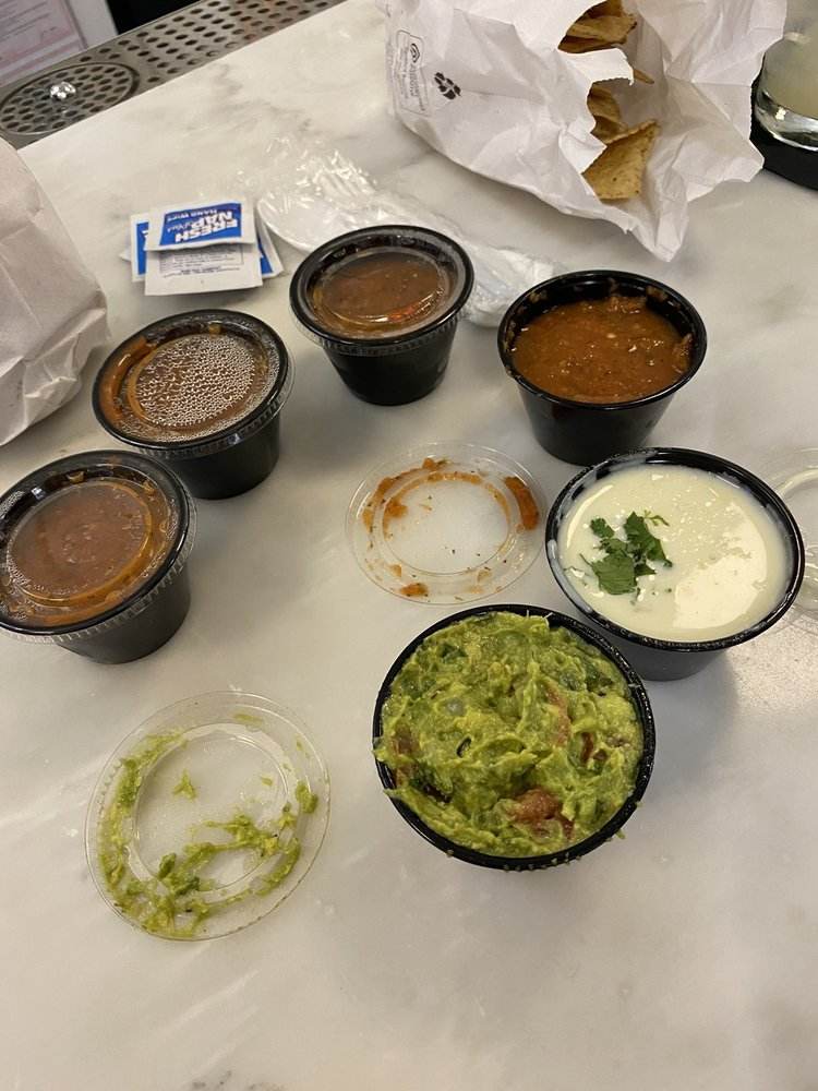 Food from Unos Tacos