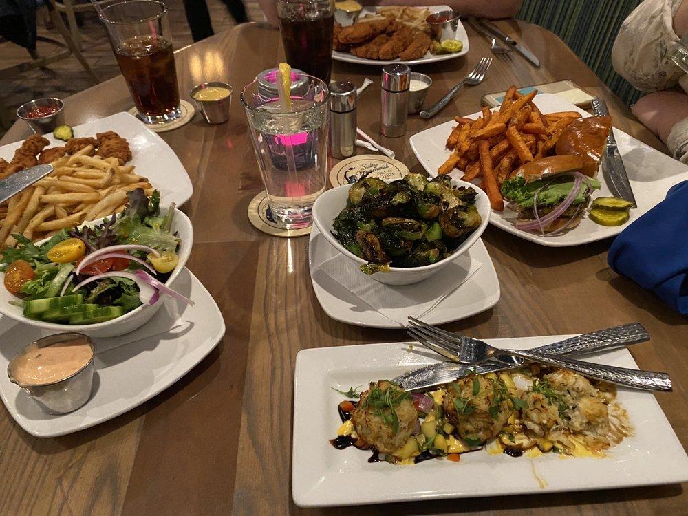 Salty Mermaid Bar & Grille: 2507 Delaware Ave, North Wildwood, NJ