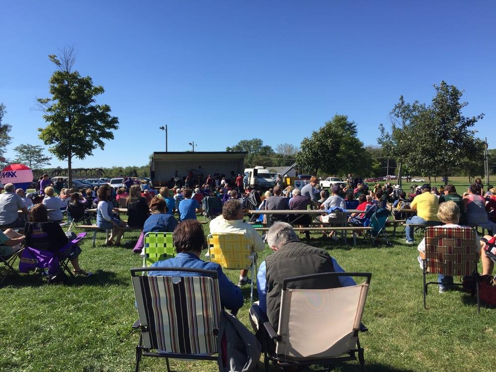Gateway Park: 206 Grant St, Cedar Falls, IA