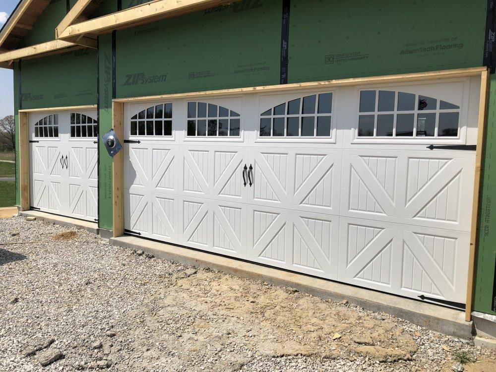 Advantage Door: 320 S Locust St, Centralia, IL