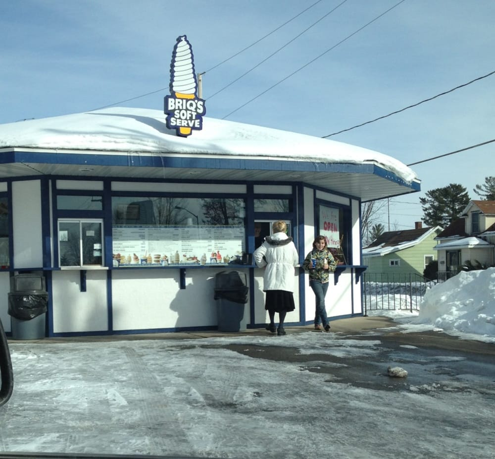 Briq's Soft Serve: 805 Western Ave, Mosinee, WI