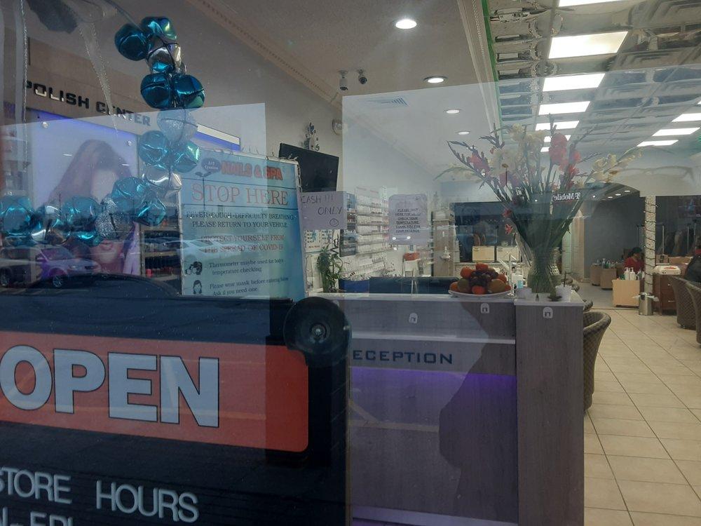 A&T creative nails: 700 Crescent Blvd, Brooklawn, NJ