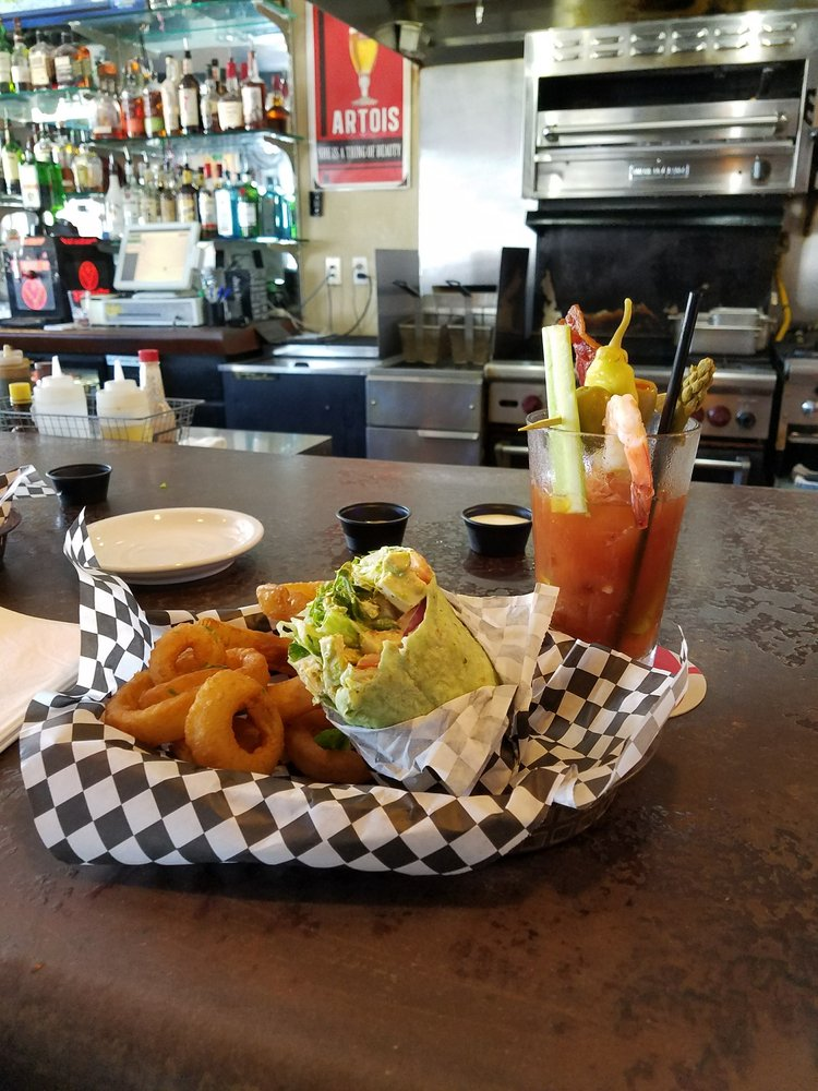 The Taproom Pub and Grub: 3948 Sylvan Ave, Modesto, CA