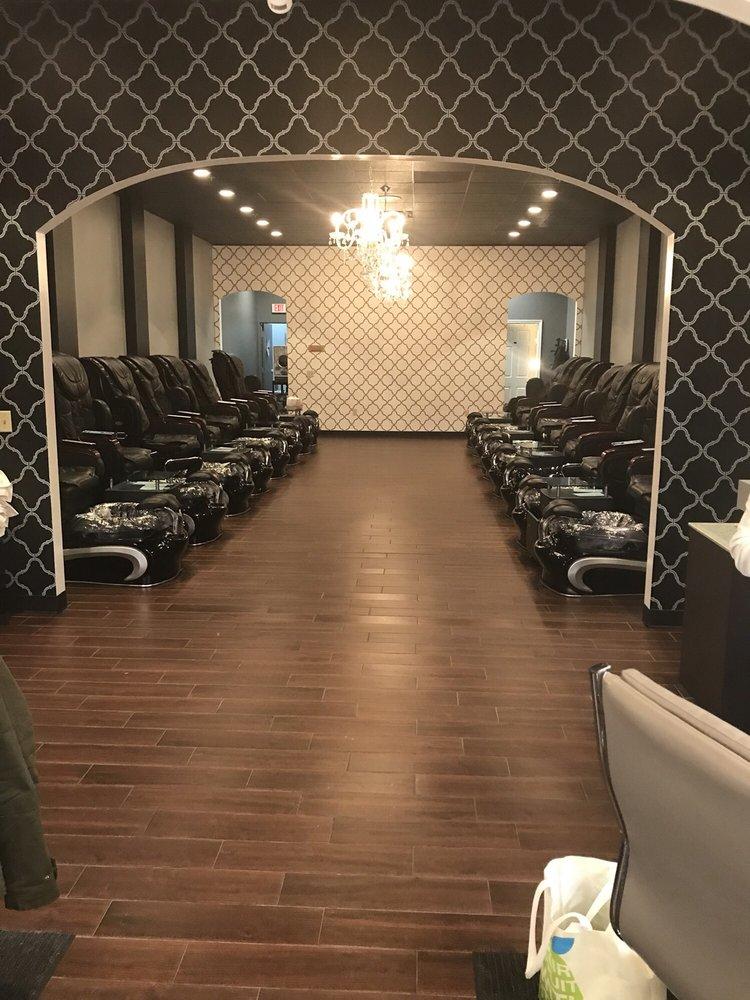 The Nail Lounge: 8622 N Boardwalk Ave, Kansas City, MO