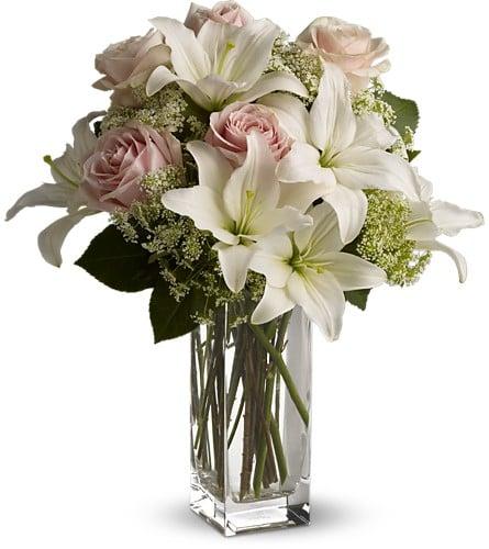 Timber Rose Floral & Gifts: 202 Main Ave, Bigfork, MN