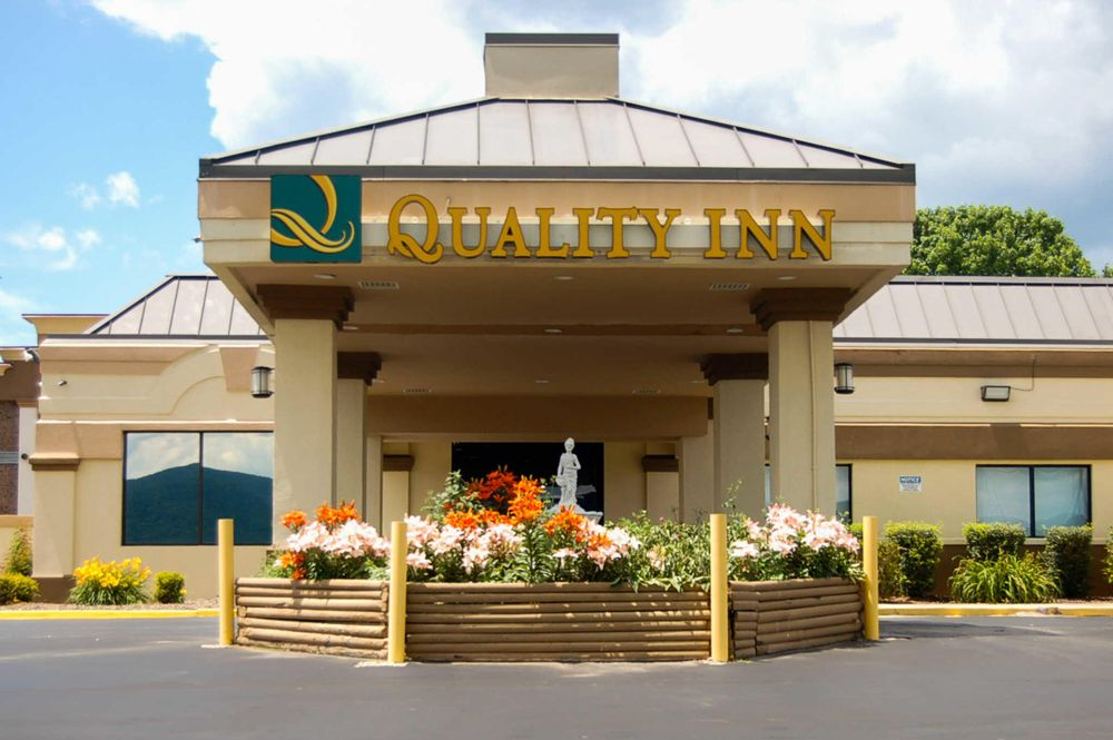 Quality Inn: 31 Hospitality Lane, Mill Hall, PA