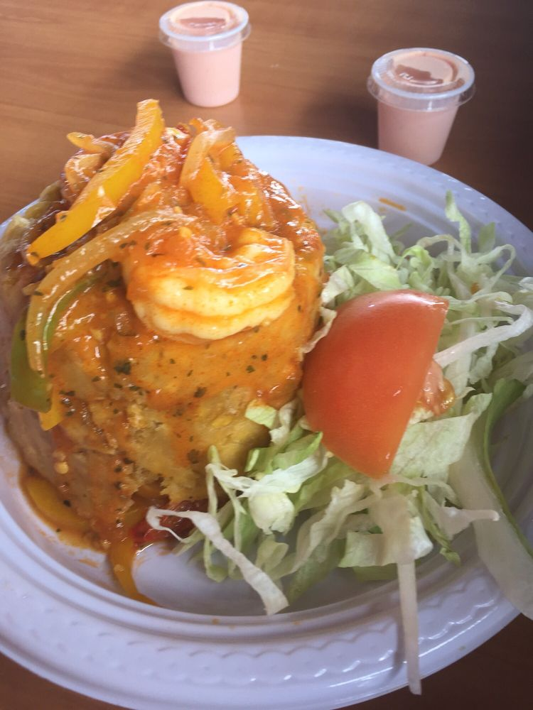 Bobbys Place: Carretera 3 S/N, Naguabo, PR