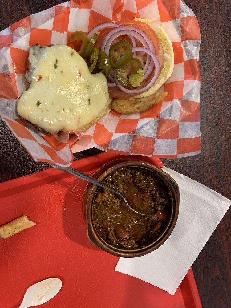 Clinton Burger: 10 Leigh St, Clinton, NJ