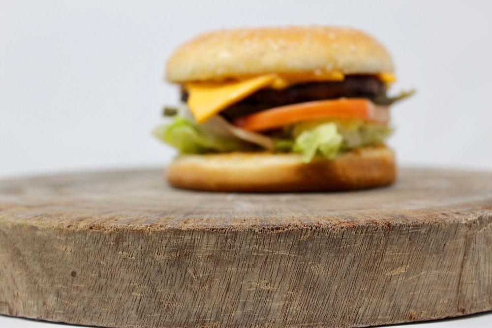 Fuller's Burger Shack: 10131 NE Cascades Pkwy, Portland, OR