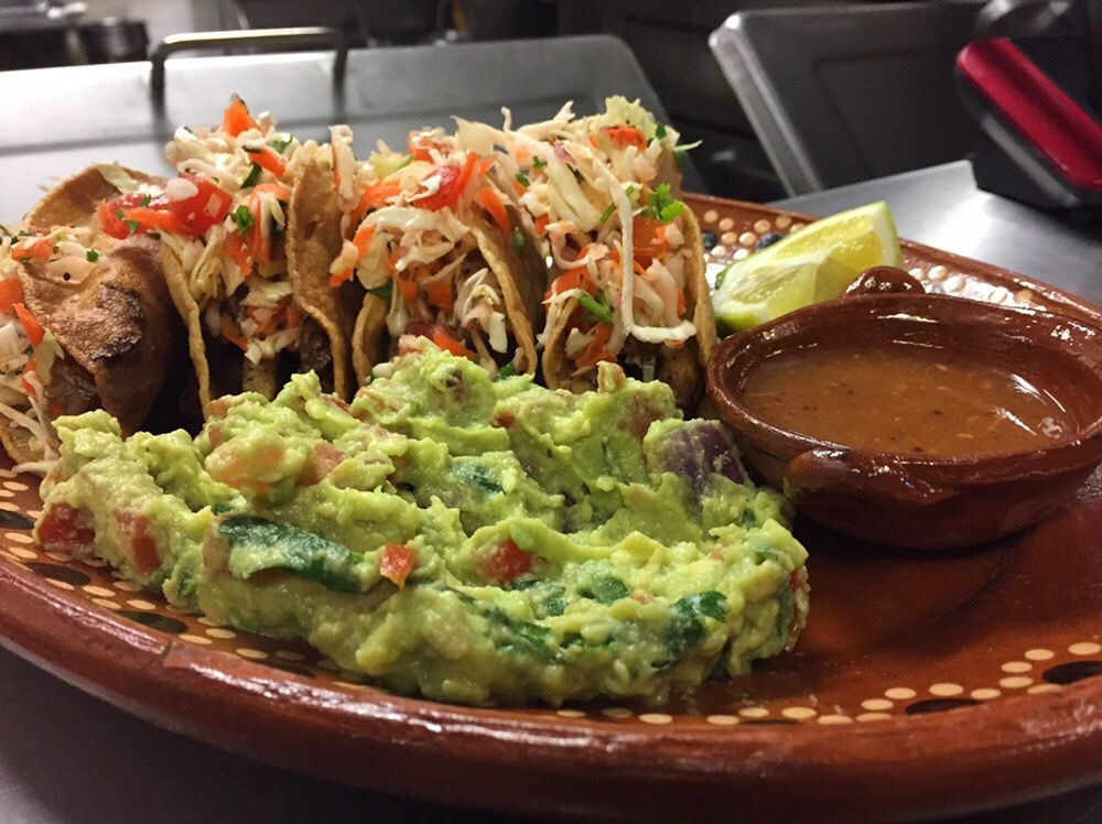 Leonors Mexican Vegetarian Restaurant | 12445 Moorpark St, Studio City, CA, 91604 | +1 (818) 762-0660