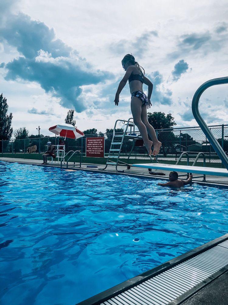 Fairview Pool: 108 N Montana Ave, Fairview, MT