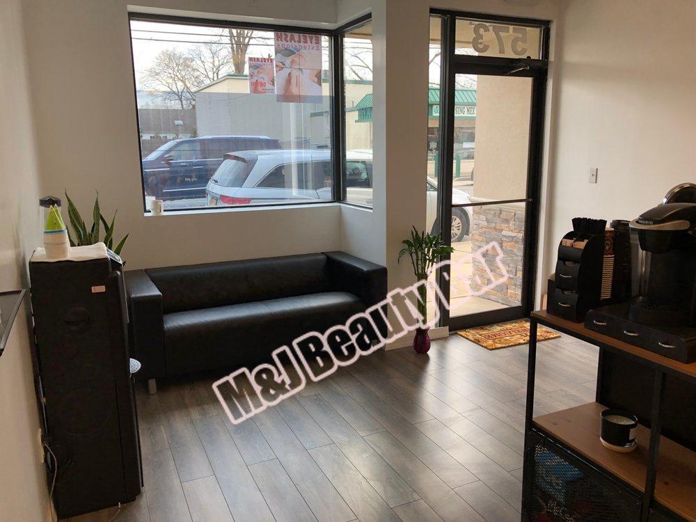 M&J Beauty Bar: 573 E Meadow Ave, East Meadow, NY