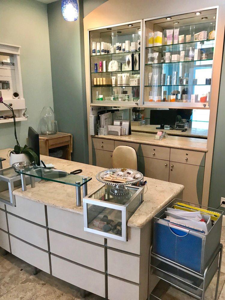 Dolce Salon & Day Spa: 3675 Lakeside Dr, Reno, NV