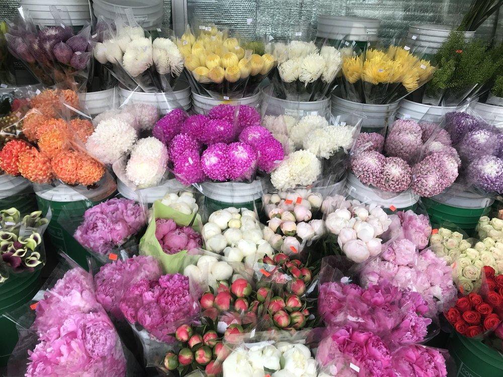 Yang's Fruit & Flower Market