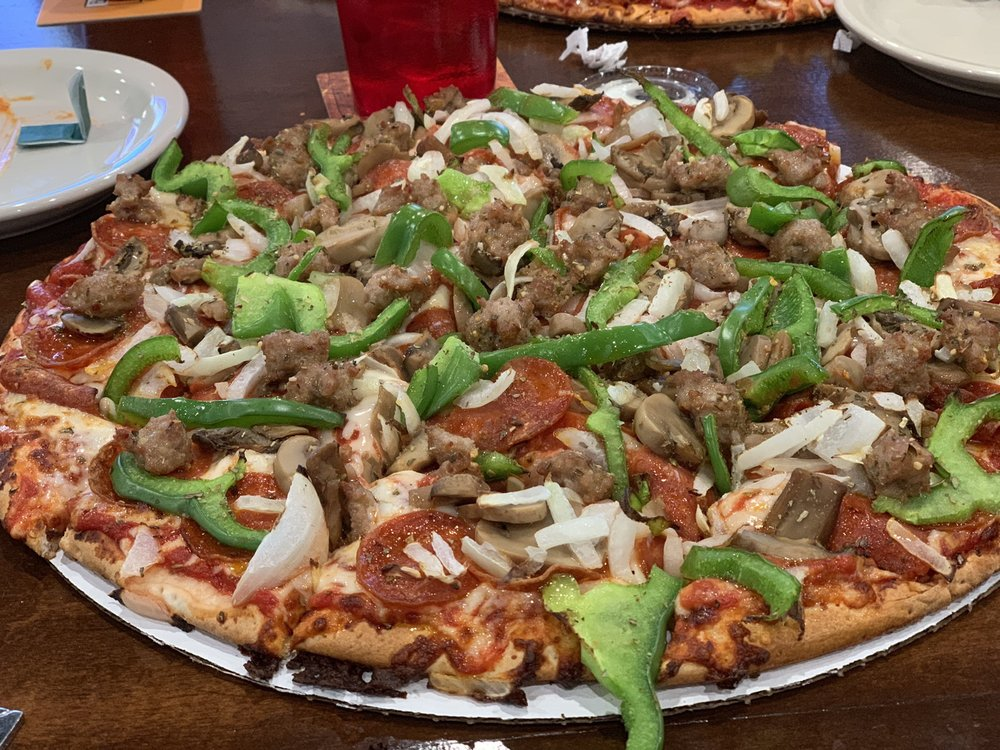 Cardo's Pizza & Tavern: 7897 Refugee Rd, Pickerington, OH