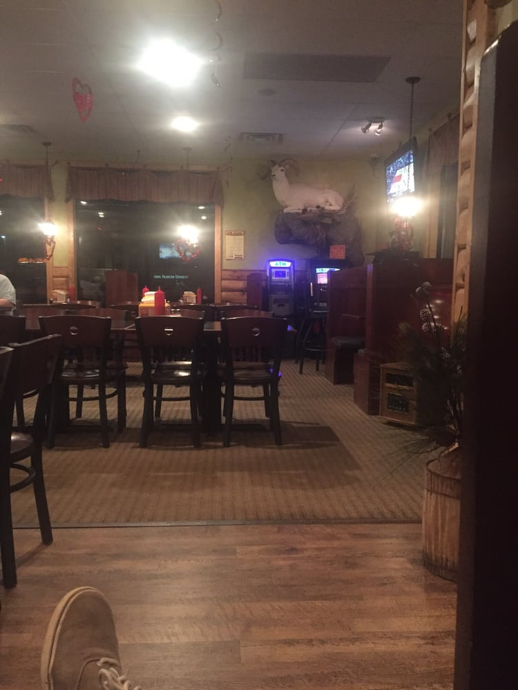 Lone Pine Bar and Grill: 2647 10th Ave SE, Watertown, SD