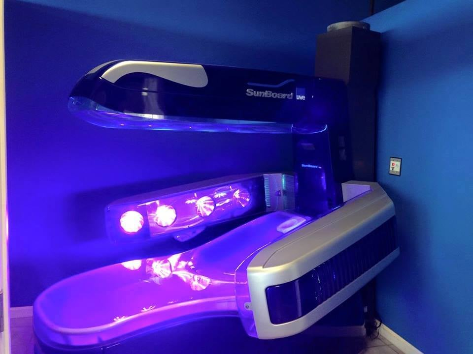this is the sunboard hp tanning bed. it is 95% uvb, so only