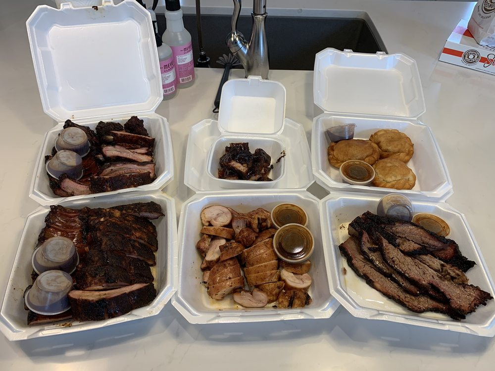 Food from Green's Texas Bbq