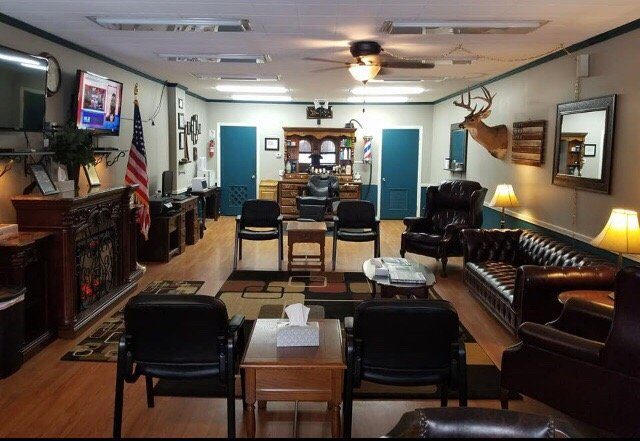 Homan's Barber Shop: 421 N Market St, Mount Carmel, IL