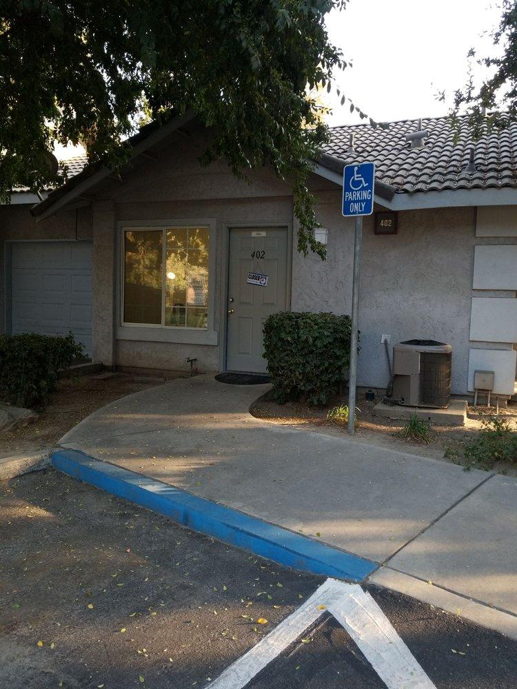 Lakes Apartment Homes: 1675 Nelson Blvd, Selma, CA