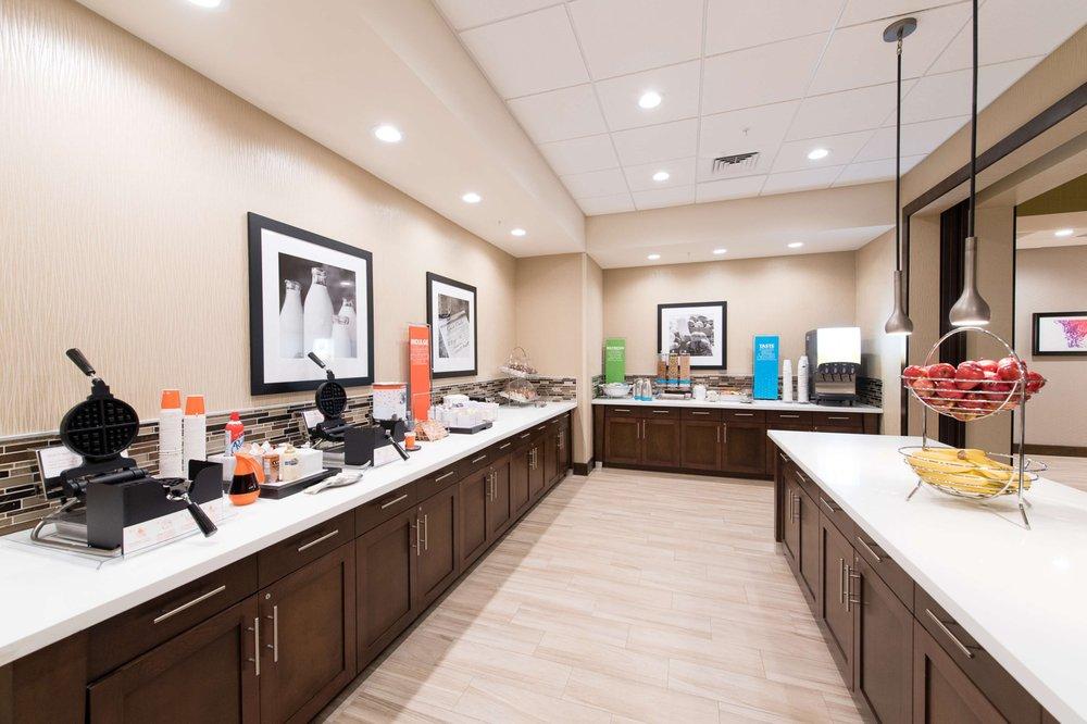 Hampton Inn & Suites - Walterboro: 129 Cane Branch Rd, Walterboro, SC
