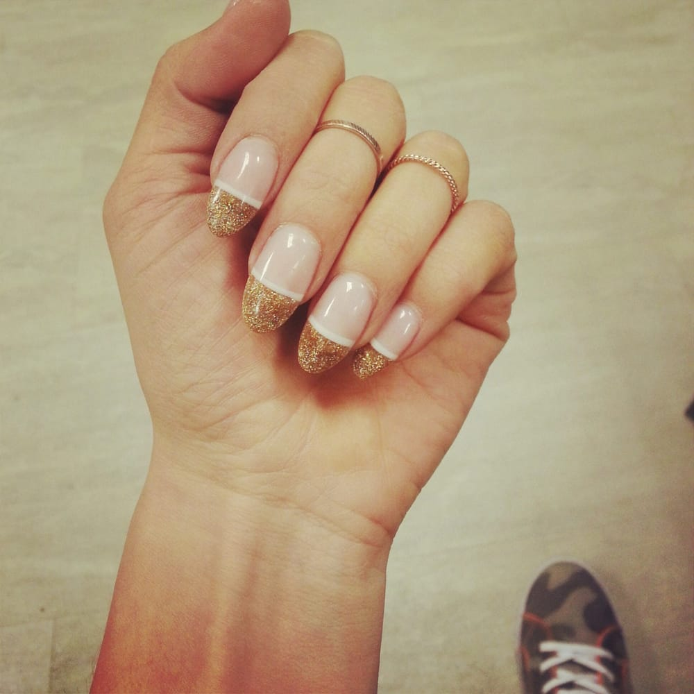 The Perfect Holiday Nails!
