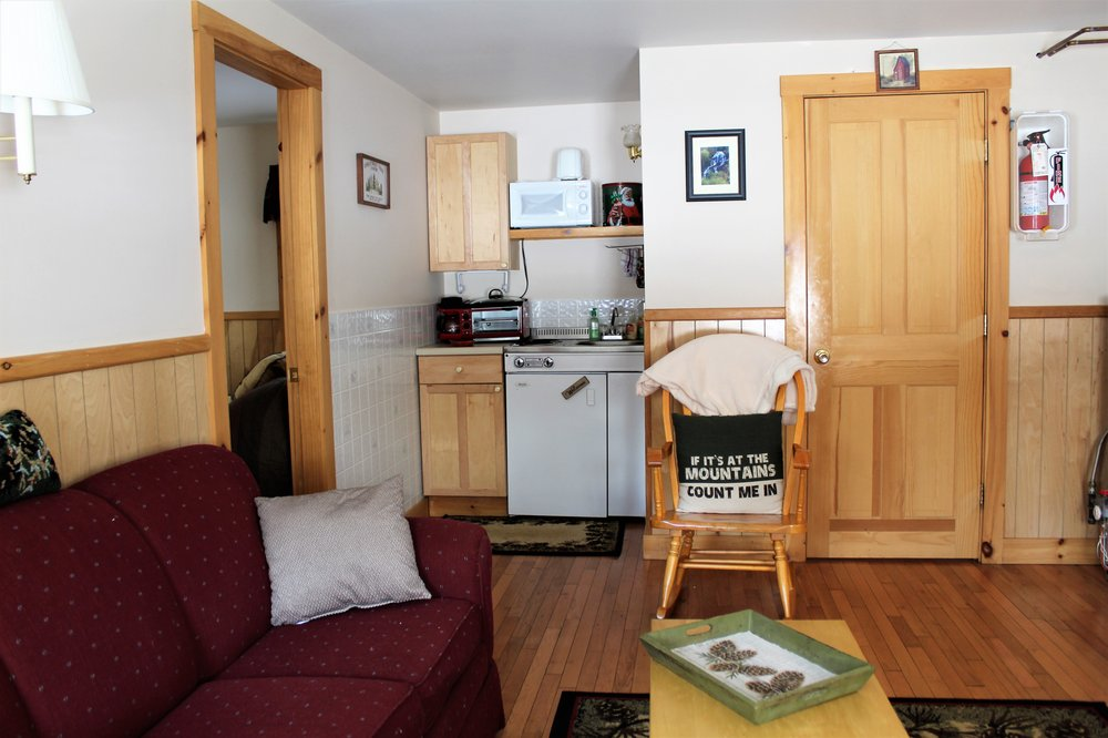 Mohawk Cottages: 65 Hwy 26, Colebrook, NH