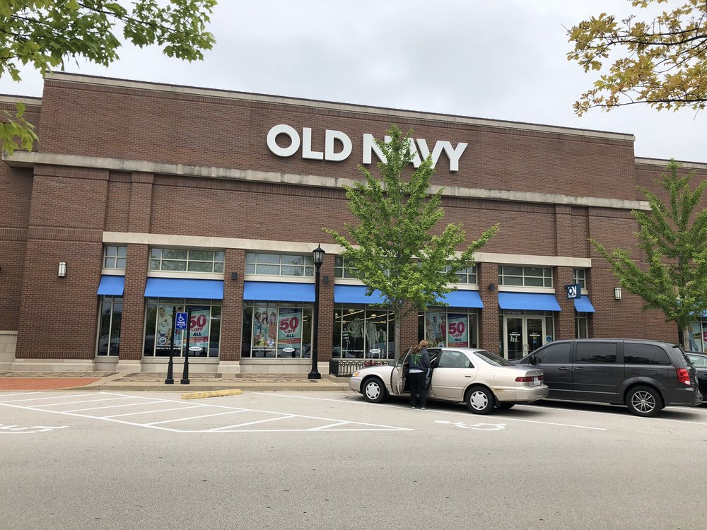 Old Navy: 2 Meadows Cir Dr, St. Peters, MO