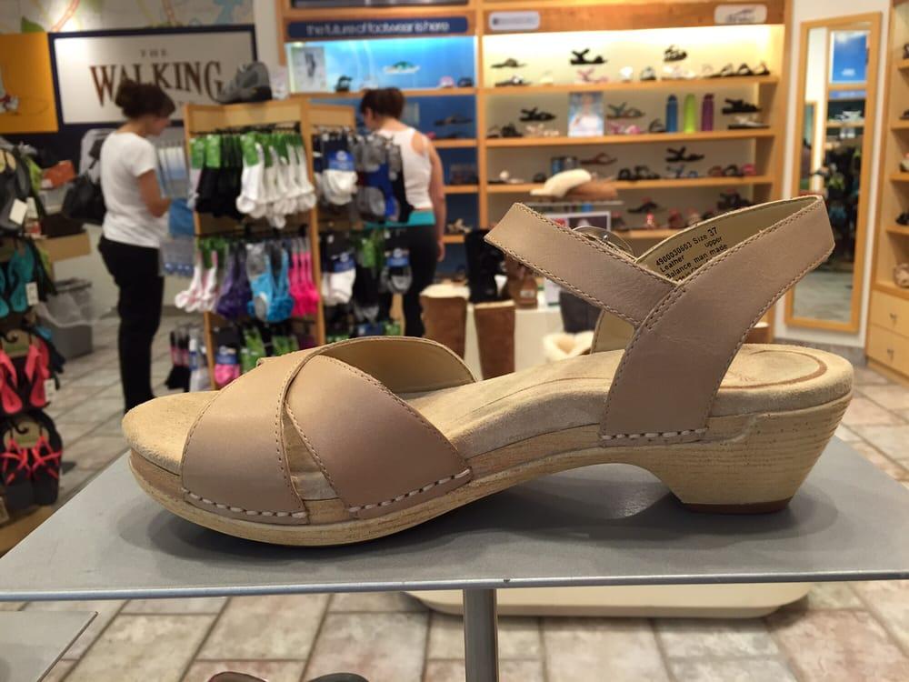 Shoe Stores Sunvalley Mall Concord Ca