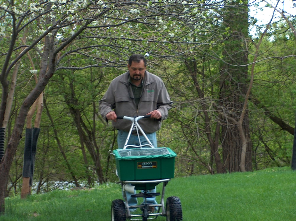 Dave's Green Thumb Lawn Care