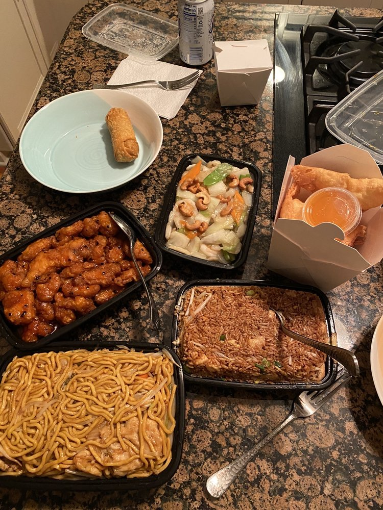 Hoy's Chinese Restaurant: 455 W Irving Park Rd, Bensenville, IL